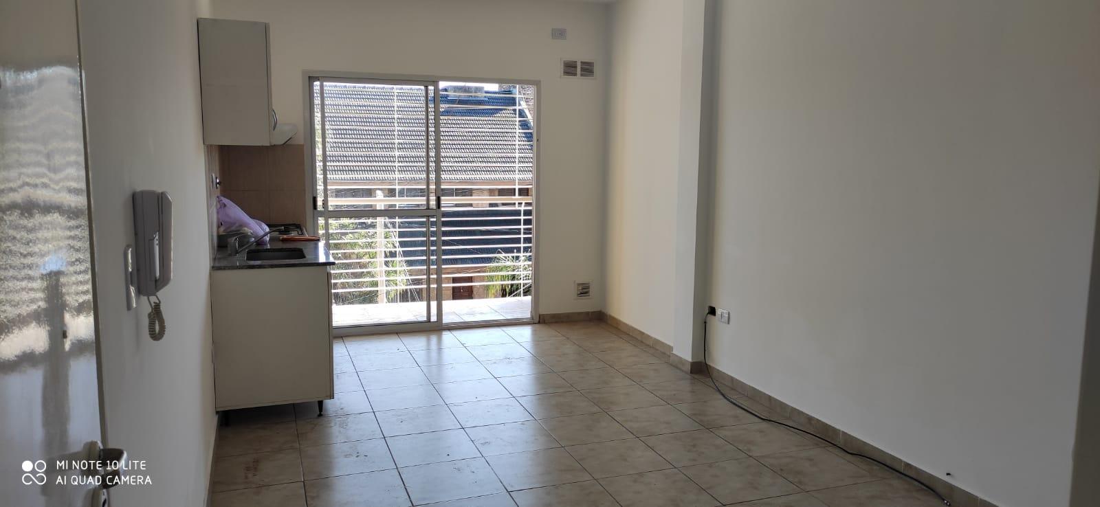 Depto 2 amb  c/ balcon en duplex